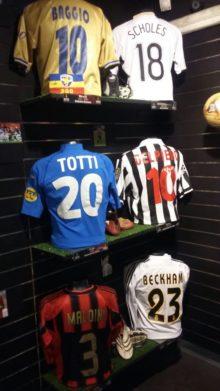 Magliette di  Baggio, Totti, Beckham