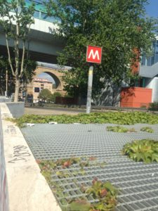 Un ingresso della metro A