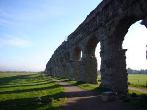 Acquedotto romano a via Appia