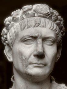 Traiano, busto