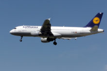Piano B Lufthansa, Aereo A320-200