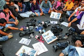 populisti, giornalisti reporter video