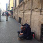 Povertà, Barbone in una via del centro di Roma