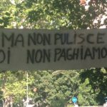 immondizia, Striscione di protesta anti AMA