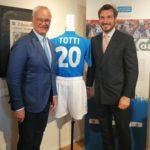 Un Secolo d'Azzurro, Claudio Ranieri e Aldo Rossi Merighi accanto alla maglietta di Totti