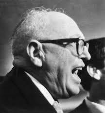 Il confino politico, Pietro Nenni
