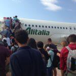 Patuanelli, passeggeri salgono su aereo Alitalia