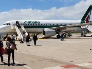 Nebbia fitta per Alitalia, Passeggeri all'imbarco