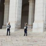 Maggioranza variabile, Corazzieri davanti al Parlamento Portoghese