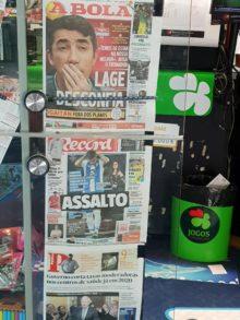 Giornalisti portoghesi, Giornali in una edicola portoghese