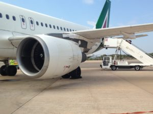 Nebbia fitta per Alitalia, aereo Alitalia
