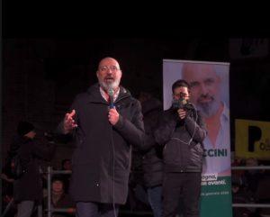 Elezioni Emilia Romagna, Stefano Bonaccini parla dal palco