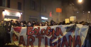 """Emilia Romagna, """"Sardine"""" manifestano a Bologna"""