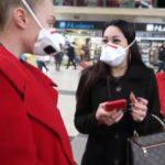 Peste, Milanesi con mascherine nella Stazione Centrale