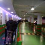 Fila al supermercato, Una lunga fila in un supermercato di Roma