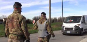 """De Luca, Posto di blocco dell'esercito nella """"zona rossa"""" di Lodi"""
