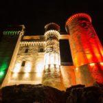 Castello sempre Vivo, Le torri del castello di Santa Severa illuminate con i colori della bandiera italiana