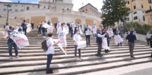 Fase 2, Protesta dei commercianti a Roma