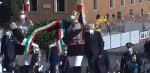 Costituzione, Sergio Mattarella all'Altare della patria per la festa della Repubblica