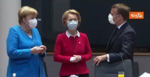 meccanismo europeo di stabilità, Angela Merkel, Ursula von der Leyen e Emmanuel Macron
