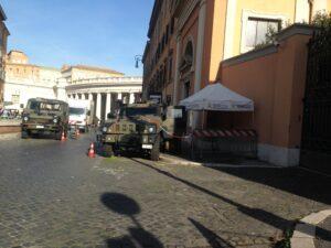 Esercito, Blindati dell'esercito a San Pietro