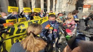 Conte dimezzato, Matteo Salvini a una manifestazione della Lega contro Conte