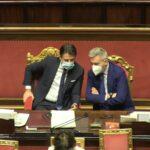 Responsabili, Giuseppe Conte sui banchi del governo al Senato