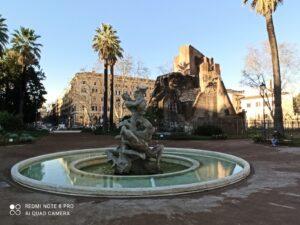 delinquenti, La fontana e la Porta magica a Piazza Vittorio