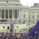 Assalto al Congresso Usa, manifestanti trumpiani assaltano il Congresso americano