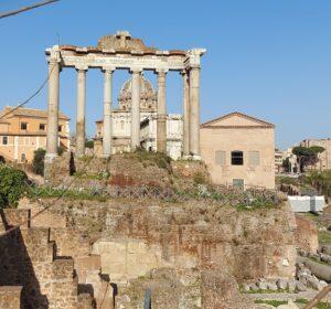 Gracchi, Il Tempio di Saturno e la Curia nel Foro Romano