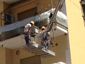Luana D'Orazio, Operai su un ponte mobile