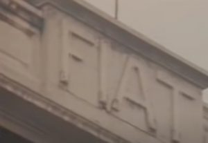 Palazzind el Lingotto, Scritta Fiat sul Lingotto