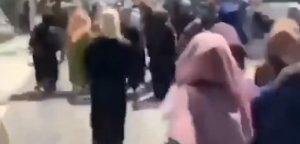 studenti coranici, cortei di protesta a Kabul